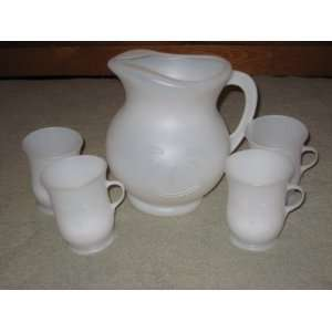 Vintage White Plastic Kool Aid 2 Quart Pitcher w/ 4 Cups