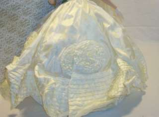 Franklin Mint Jacqueline Jackie Kennedy Heirloom Porcelain Bride Doll