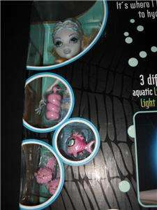 NEW Monster High Dead Tired BLUE DOLL & HYDRATION STATION W/LIGHT