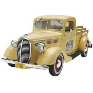 37 Ford Pickup Street Rod 2N1 (Plastic Model Vehicle) Toys & Games