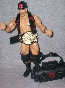 WWE FIGURE RUTHLESS AGGRESSION STONECOLD & ACCESSORIES