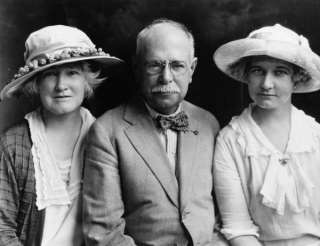 1922 photo John Philip Sousa with wife ,daughter,