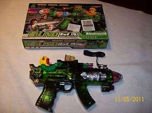 Toy plastic SPACE machine gun CF956 flashing lights sounds laser COLOR