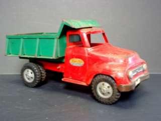 Tonka Vintage Dump Truck Circa 1950 1960   Red & Green