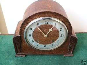 Garrard Oak Case 8 days Striking Mantle Clock 8.5H10L