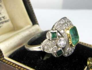Stunning art deco solid platinum Emerald Diamonds ring