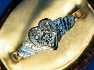 ANTIQUE ART DECO 18CT PLAT DIAMOND SOLITAIRE HEART RING