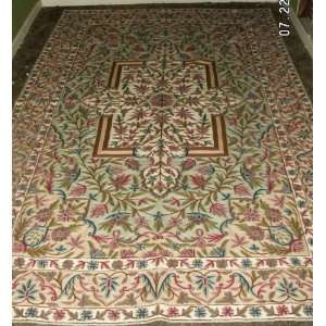 com 6 x 9 Kashmiri Wool Chain Stitch Rug in Mint Green with Floral