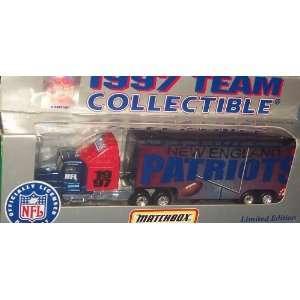 New England Patriots NFL Diecast 1997 Matchbox Tractor